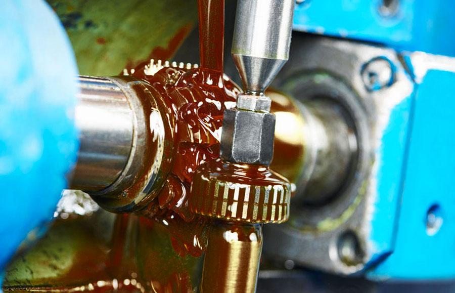 Olio industriale intero per la deformazione plastica dei metalli durante la lavorazione